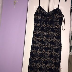 Dresses & Skirts - Blue lace bodycon dress